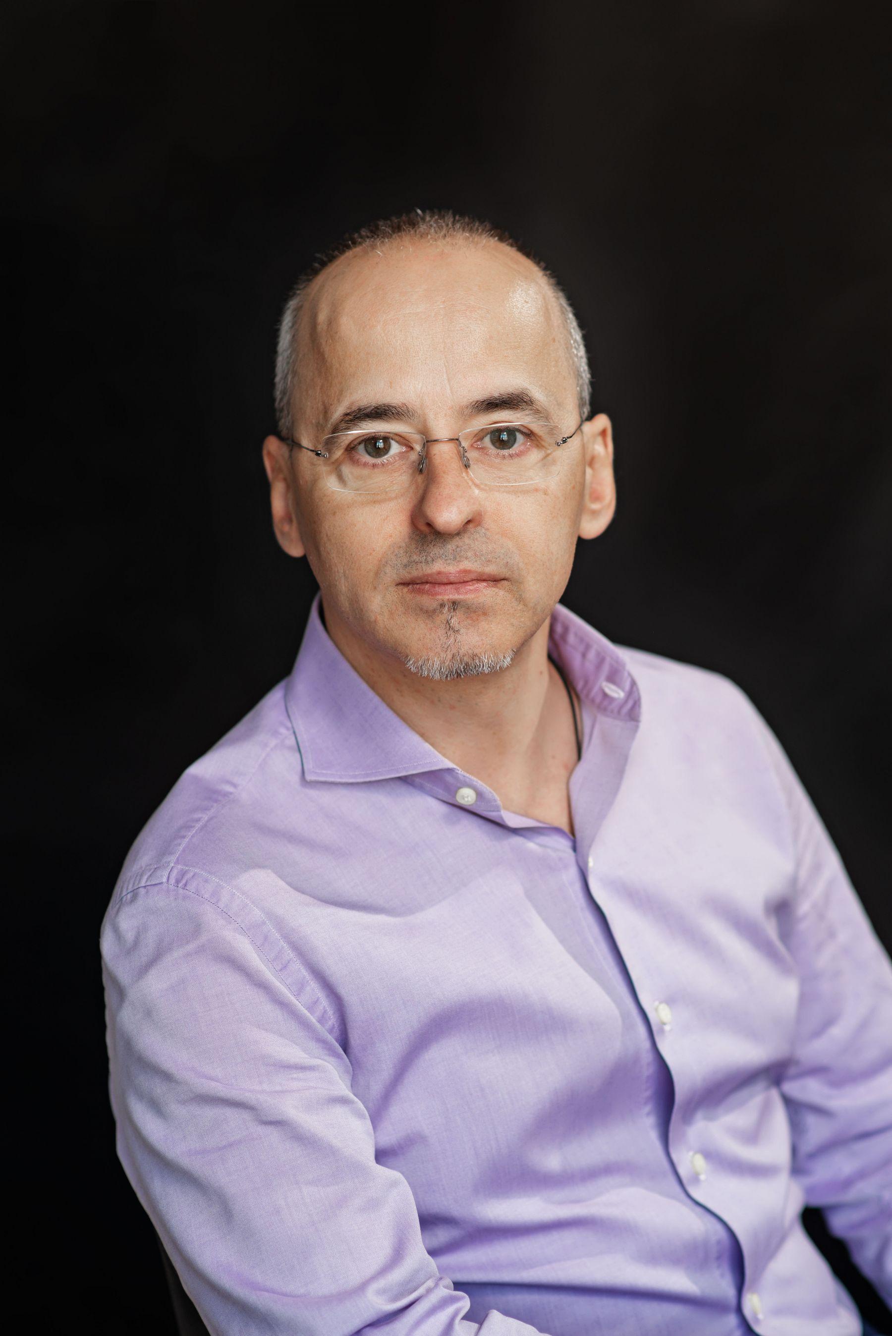 Роман Шмелёв